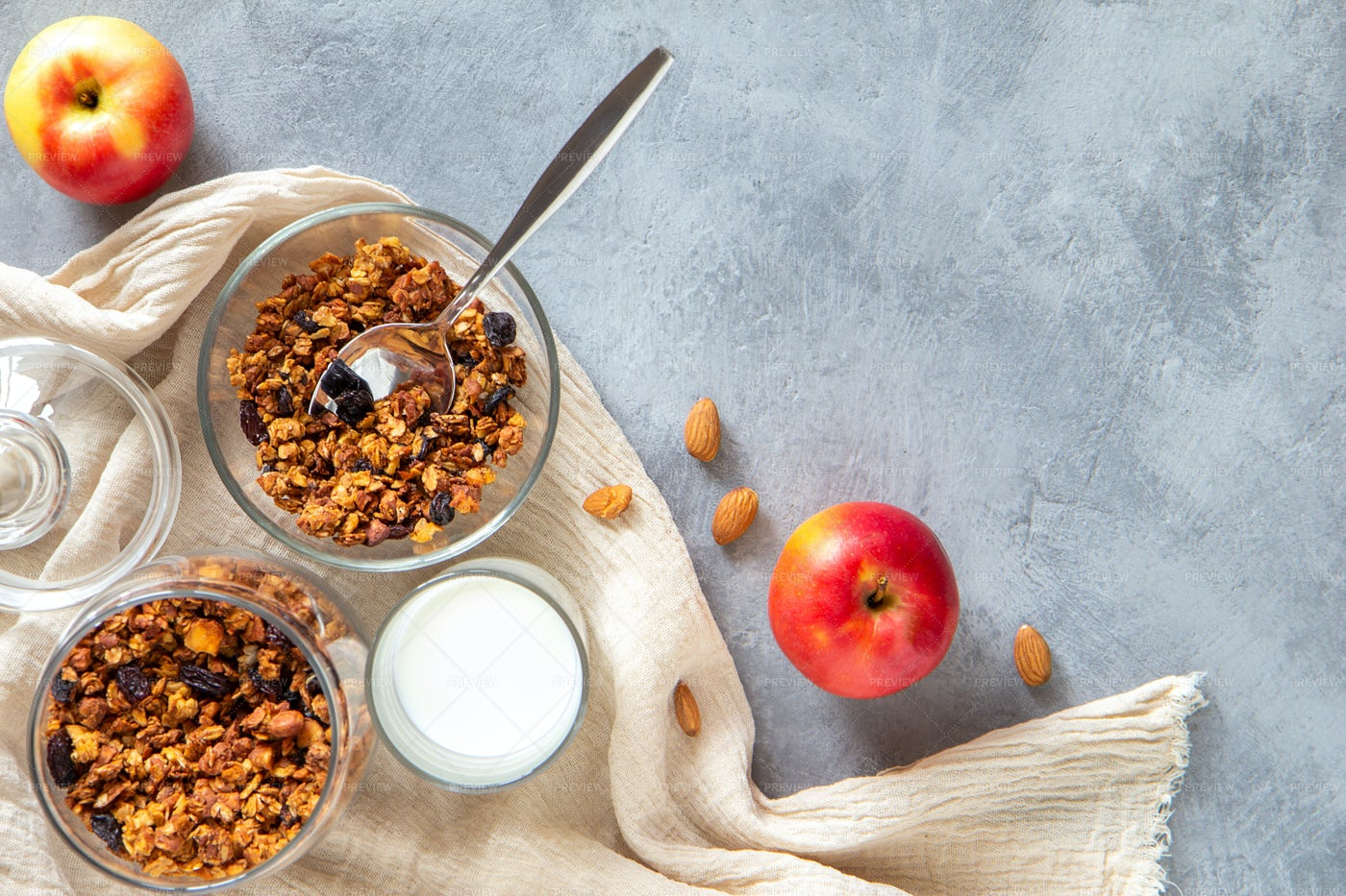 Apple Bseide Granola Bowls: Stock Photos