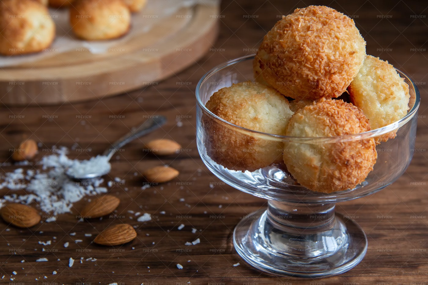 Coconut Dessert Balls: Stock Photos
