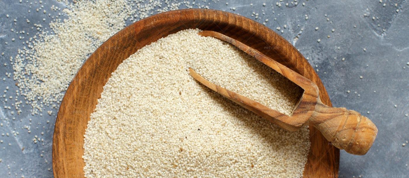Raw Fonio Seeds: Stock Photos
