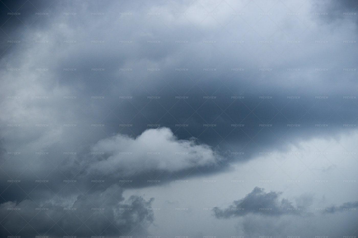Sky Before Rain: Stock Photos