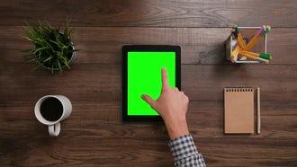 Ipad Green Screen Pinch: Stock Video