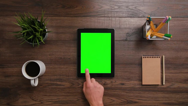 Scrolls-Click IPad Green Screen: Stock Video