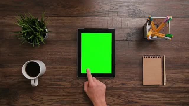 3 Scrolls Ipad Green Screen : Stock Video