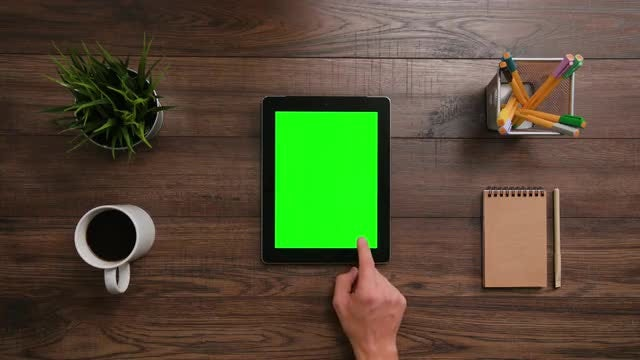 Ipad Green Screen Scrolls-Click: Stock Video