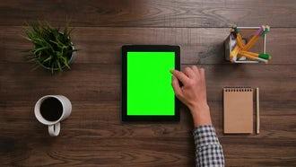 iPad Green Screen Scrolling Down: Stock Video