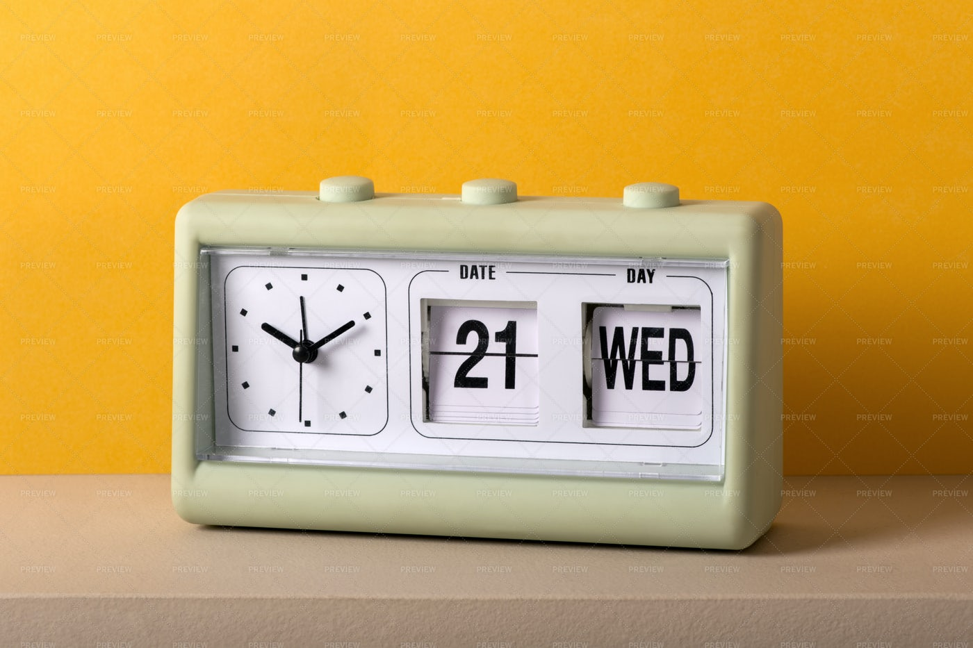 Vintage Plastic Clock: Stock Photos