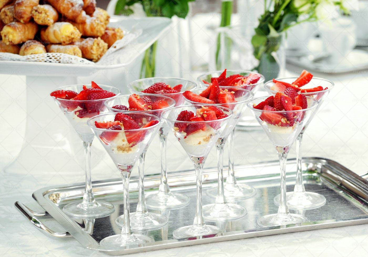 Strawberry Dessert: Stock Photos