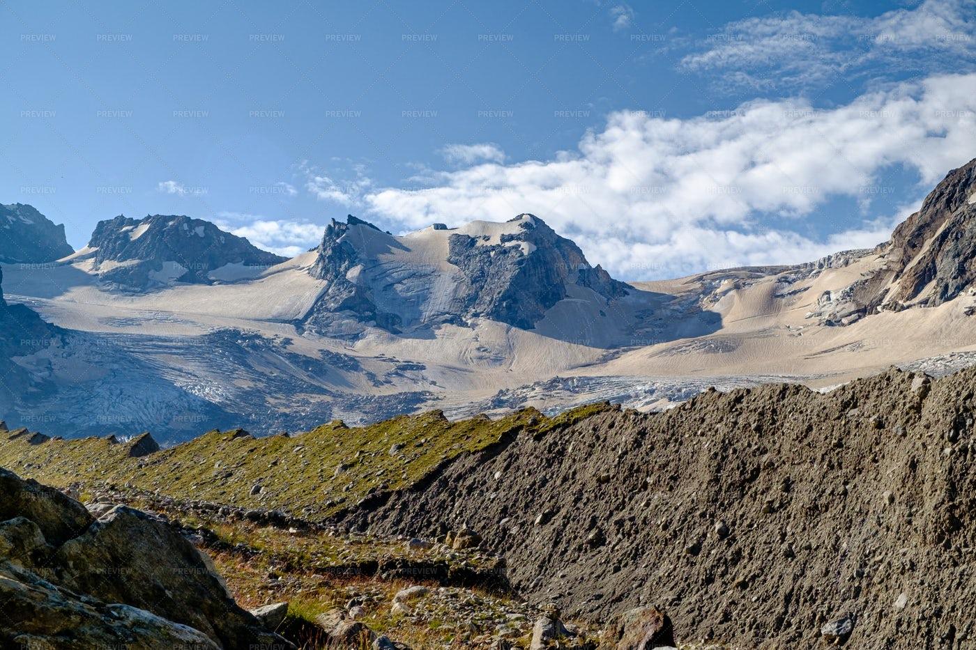 Mountain Range Panorama: Stock Photos