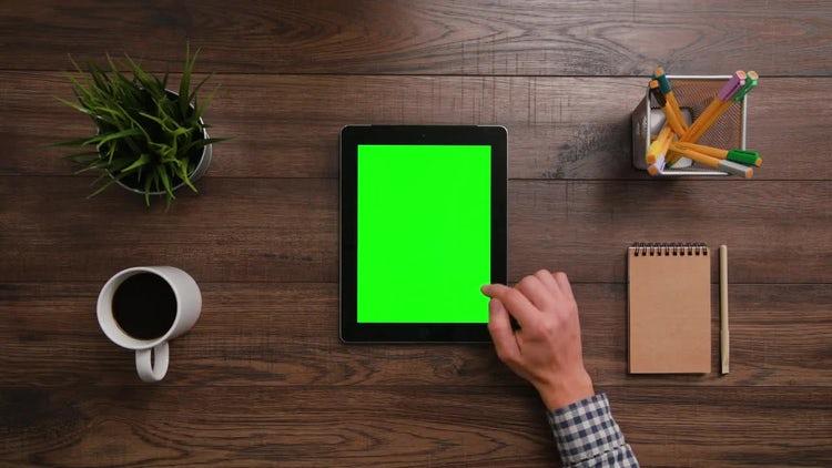 Green Screen iPad Scrolldown: Stock Video