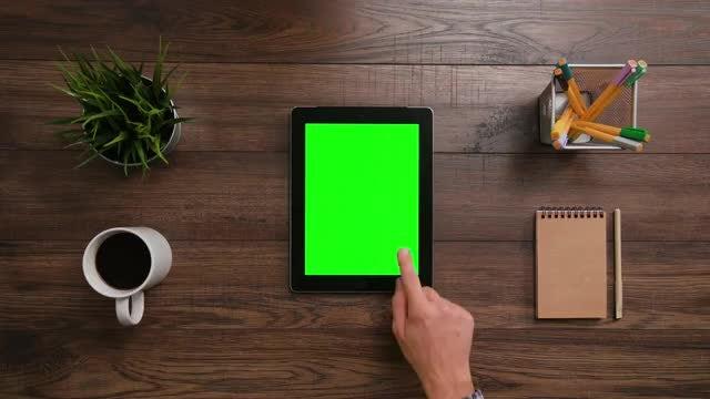 Click The Ipad Green Screen: Stock Video
