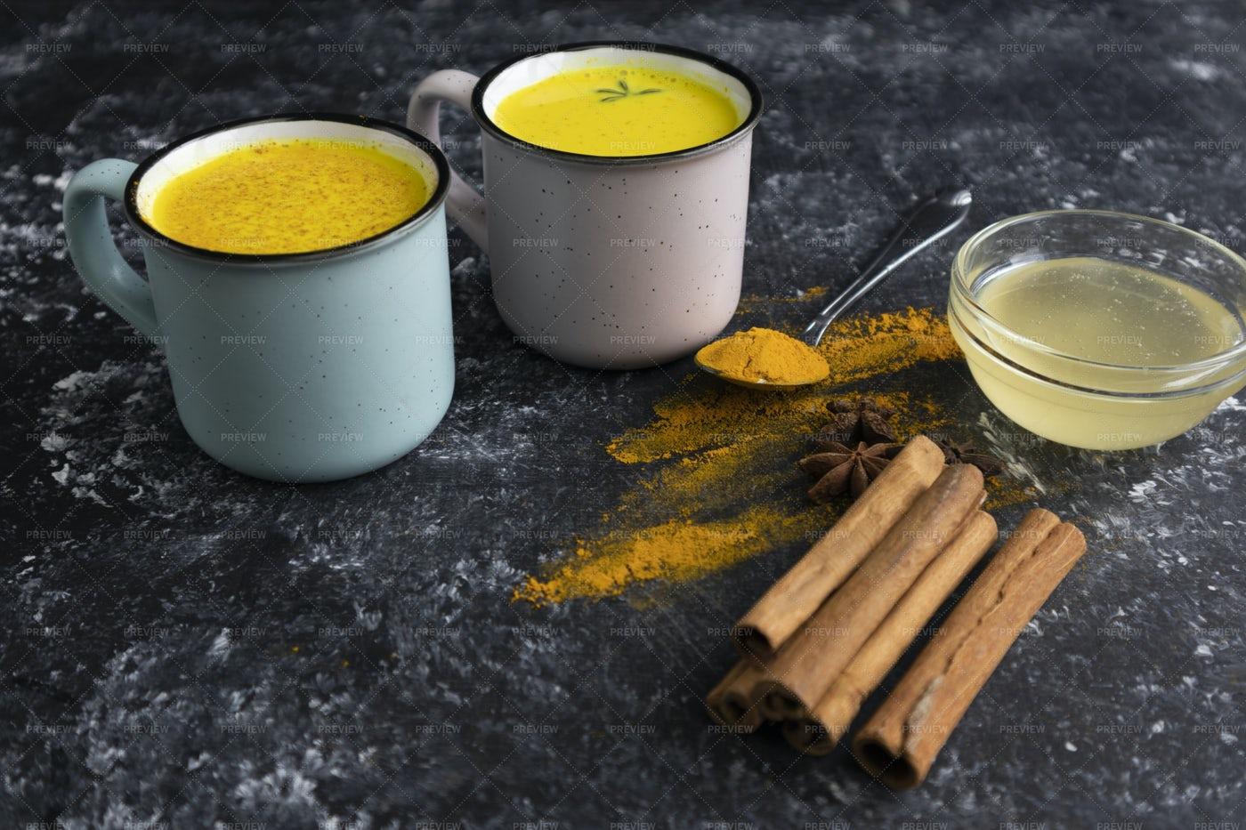 Warm Turmeric Milk: Stock Photos