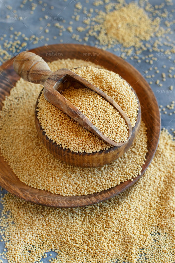 Raw Amaranth Grain: Stock Photos