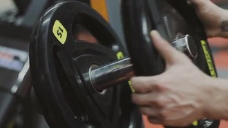 Barbell Plates Loading: Stock Video