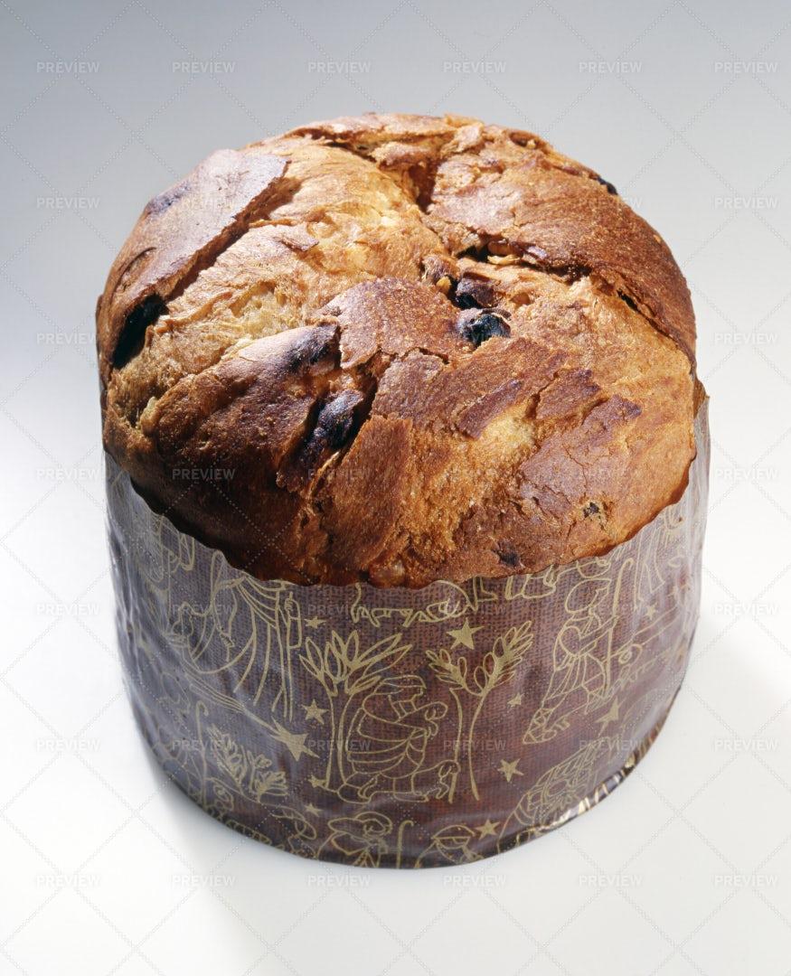 Panettone Christmas Cake: Stock Photos