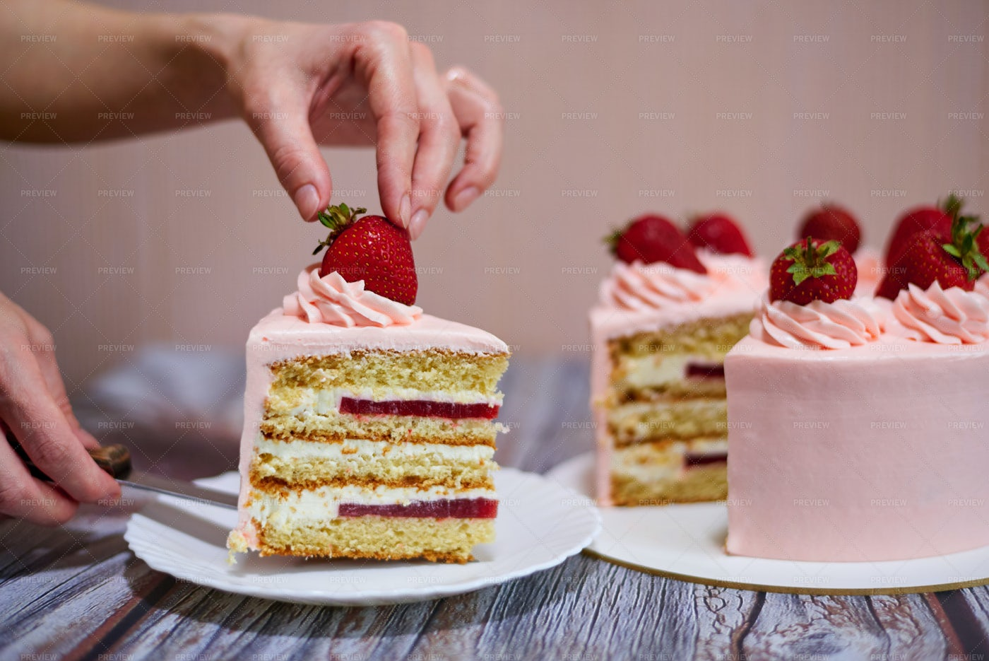 Serving Strawberry Cake: Stock Photos
