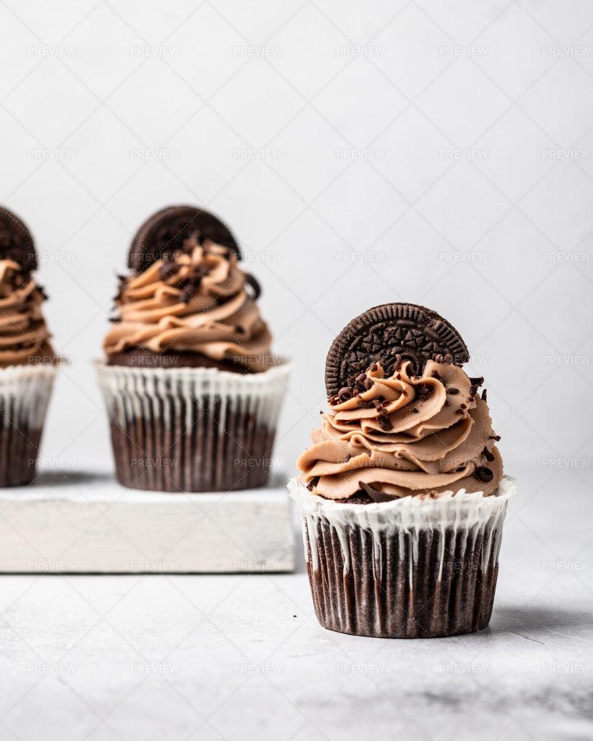 Chocolate Cupcakes: Stock Photos
