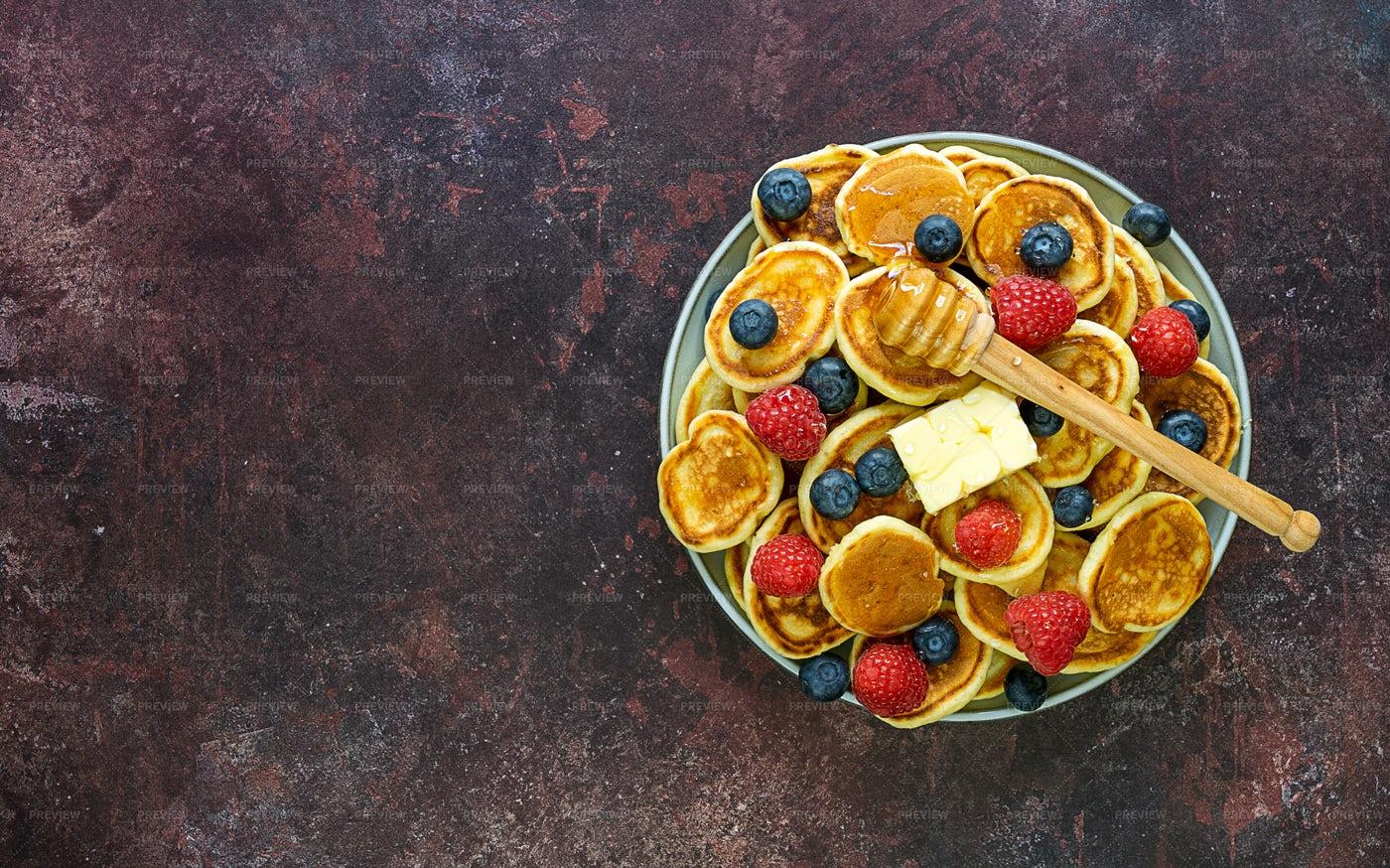 Mini Pancakes: Stock Photos