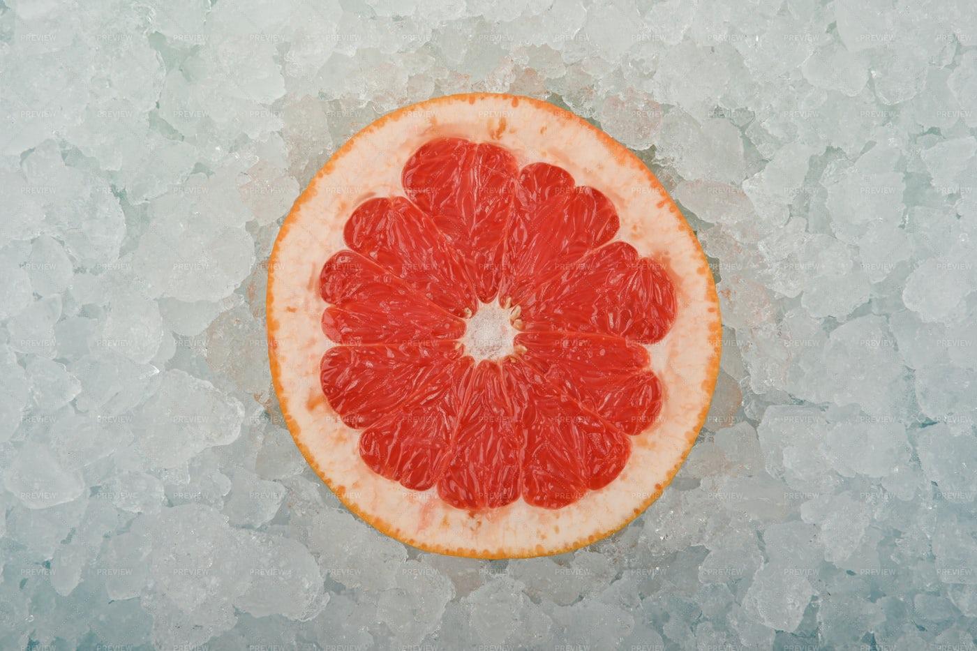 Pink Grapefruit Slice: Stock Photos