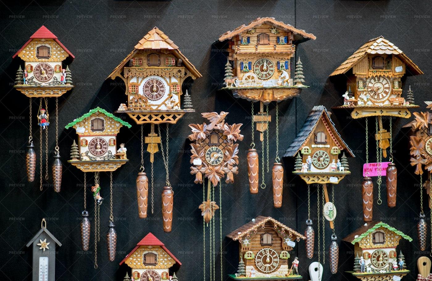 Decorative Pendulum Clocks: Stock Photos