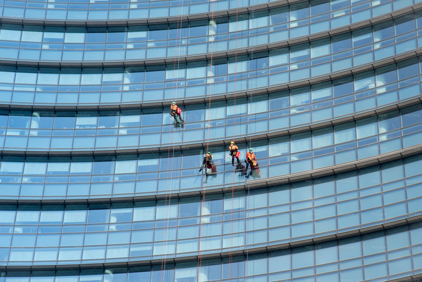 Suspended Window Cleaners: Stock Photos