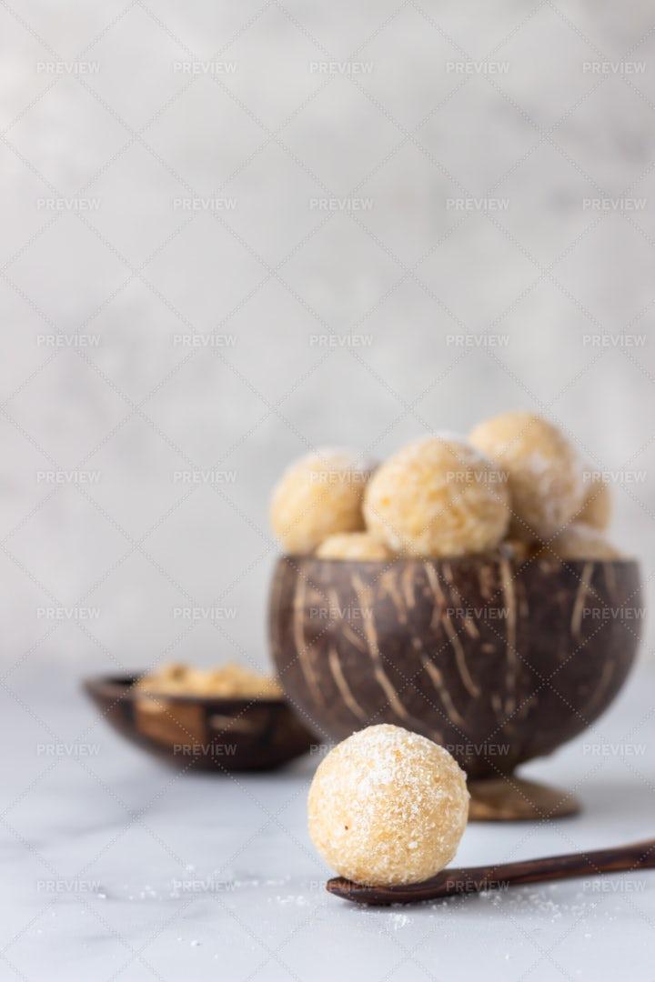 Healthy Vegetarian Balls: Stock Photos