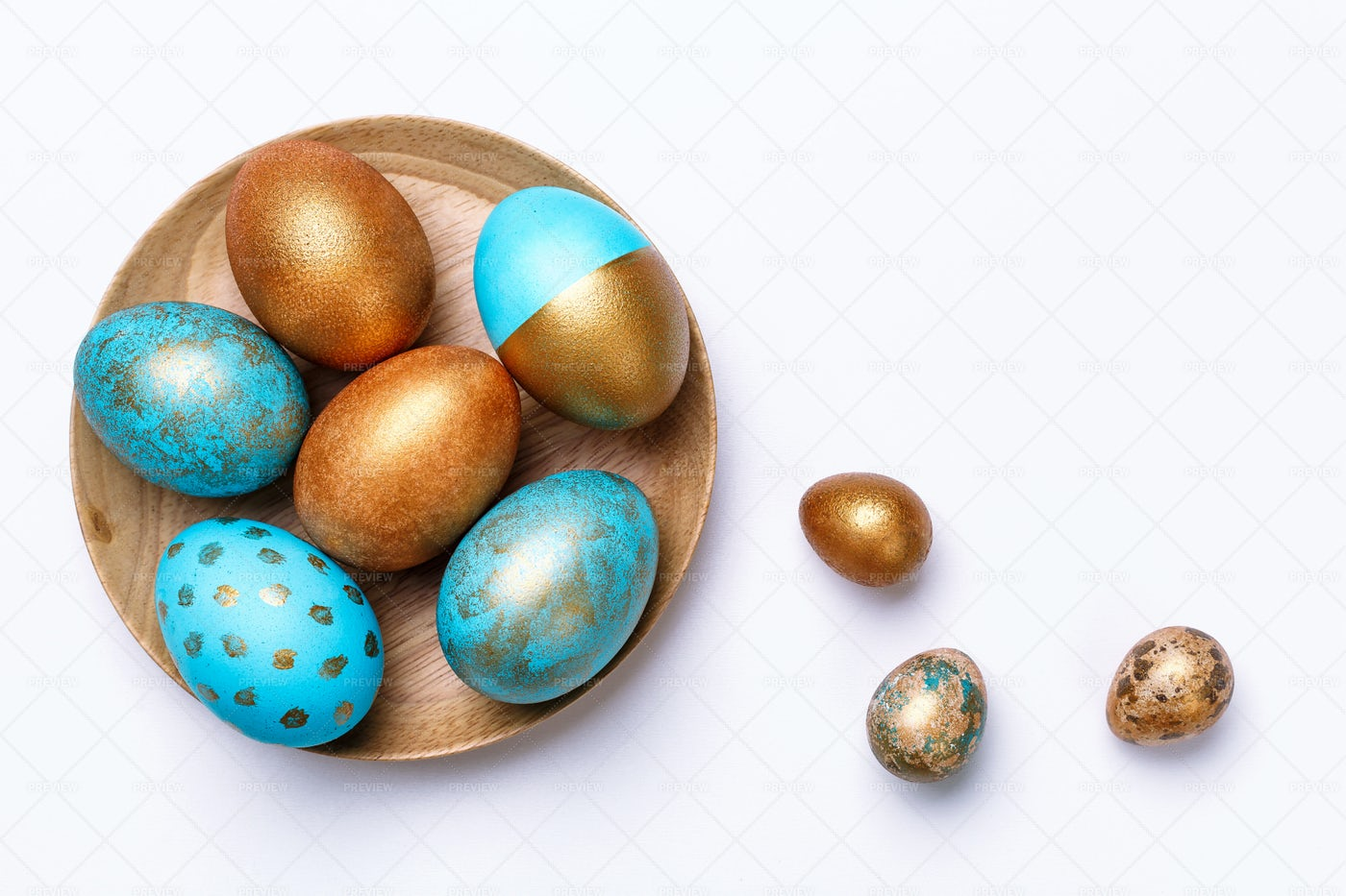 Shining Easter Eggs: Stock Photos