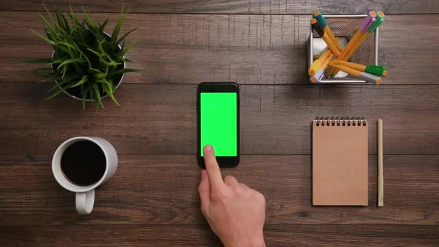 Left Click Smartphone Green Screen: Stock Video