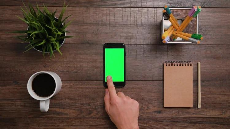 Left Click Smartphone Green Screen: Stock Video