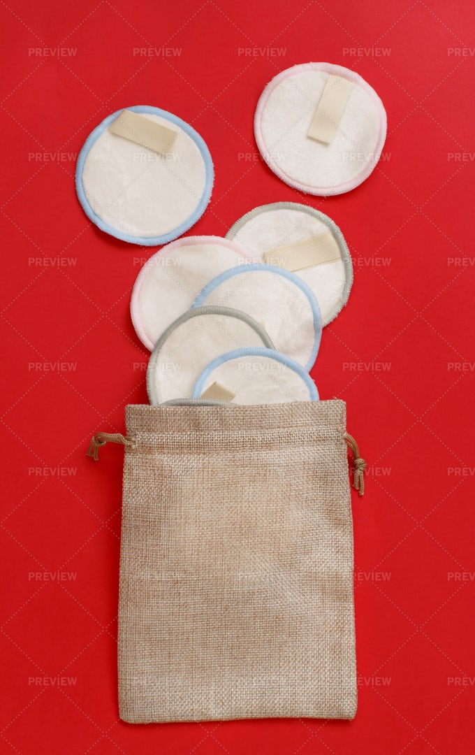 Make-up Remover Pads: Stock Photos