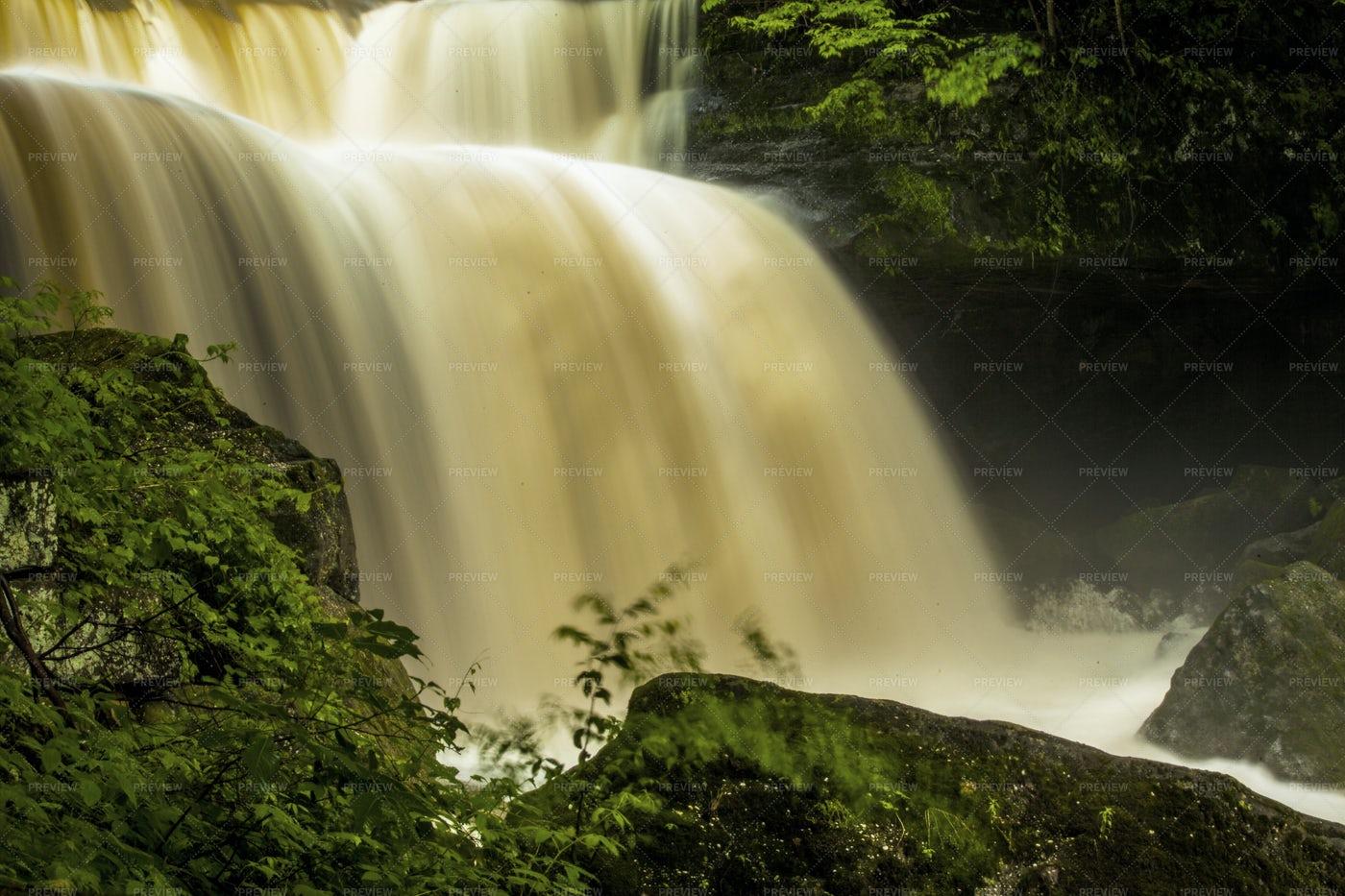 Waterfall: Stock Photos