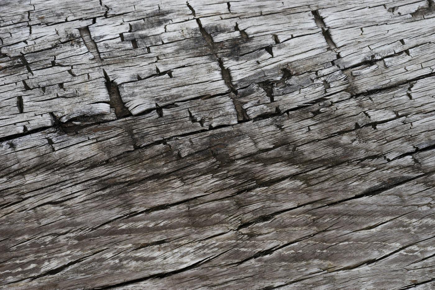 Cracks In Wood: Stock Photos