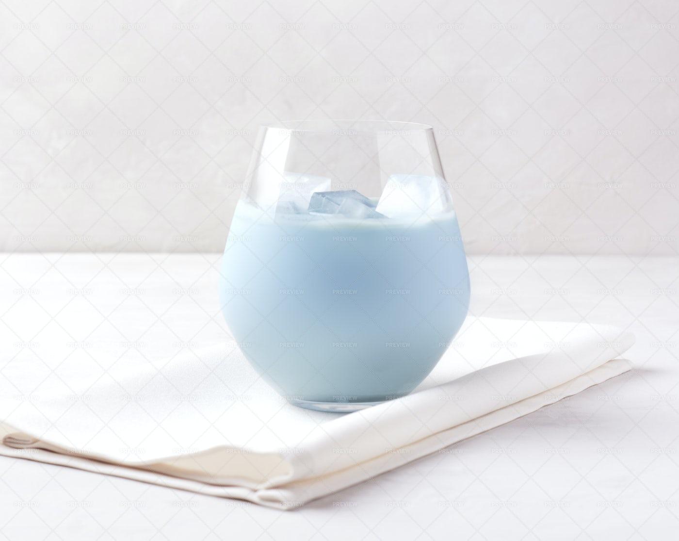 Blue Cold Latte: Stock Photos