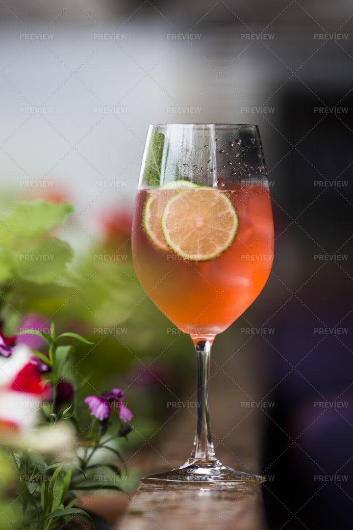 Cocktail With Lemon: Stock Photos