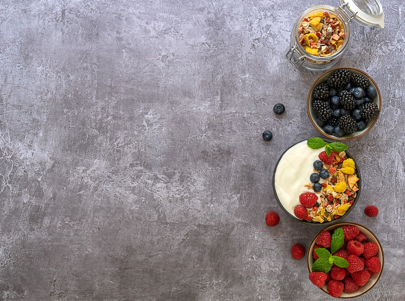 Musli With Berries: Stock Photos