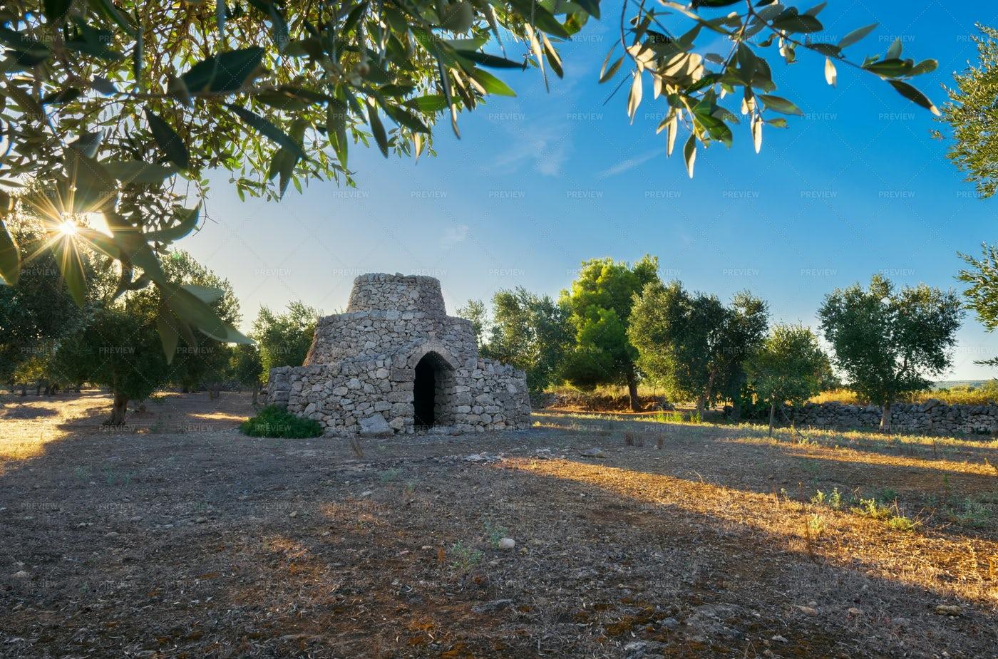 Apulian Stone House: Stock Photos