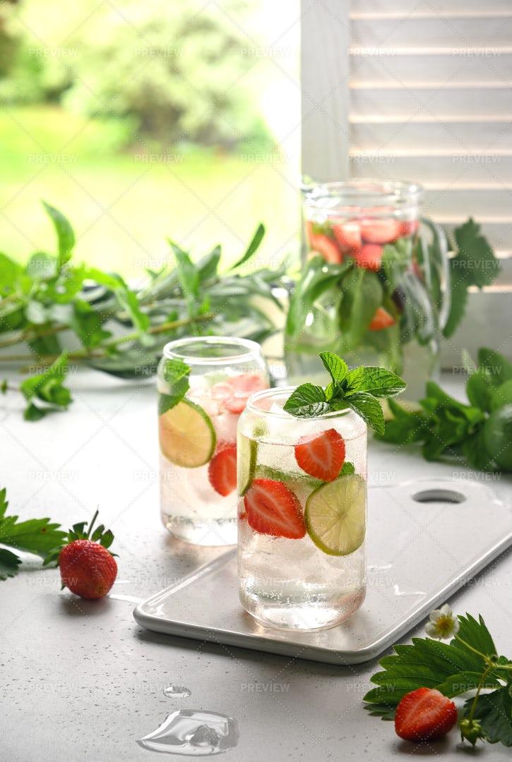 Lemonade With Strawberries: Stock Photos