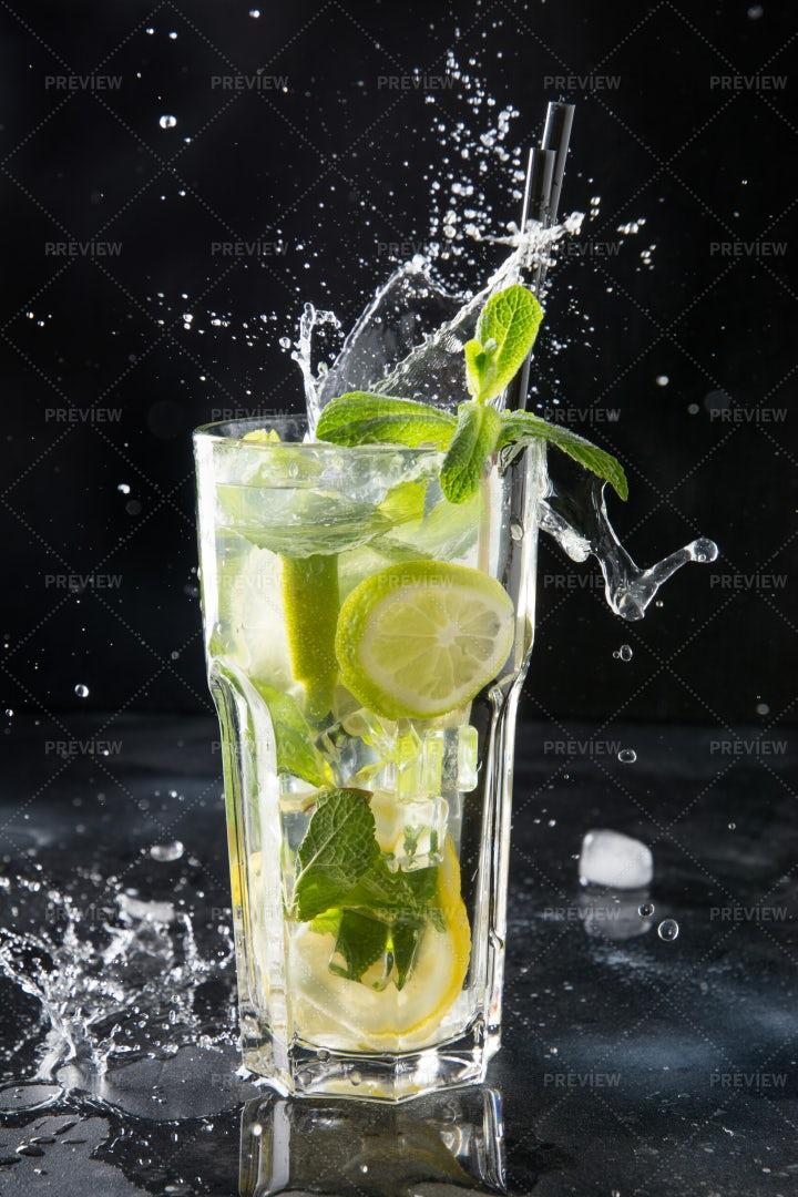 Splash On A Mojito: Stock Photos