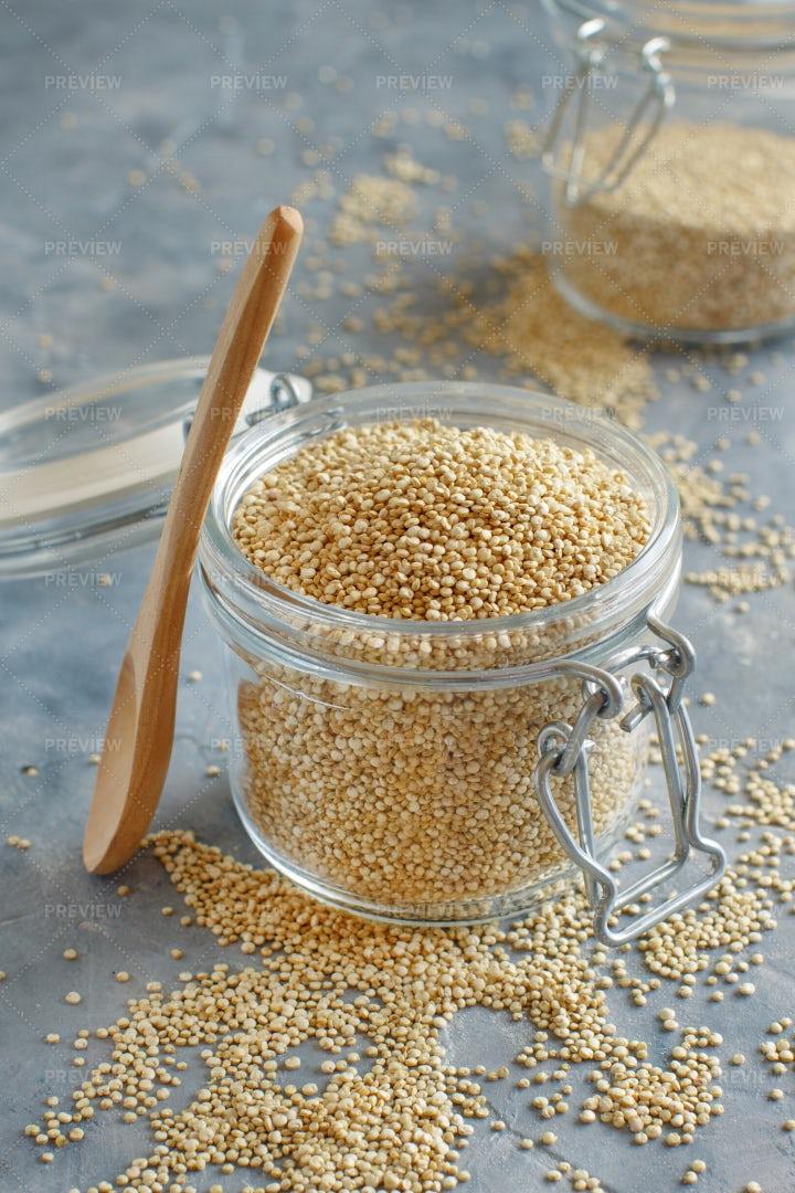 Dry Quinoa Seeds: Stock Photos