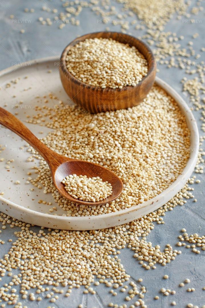 Quinoa Seeds: Stock Photos