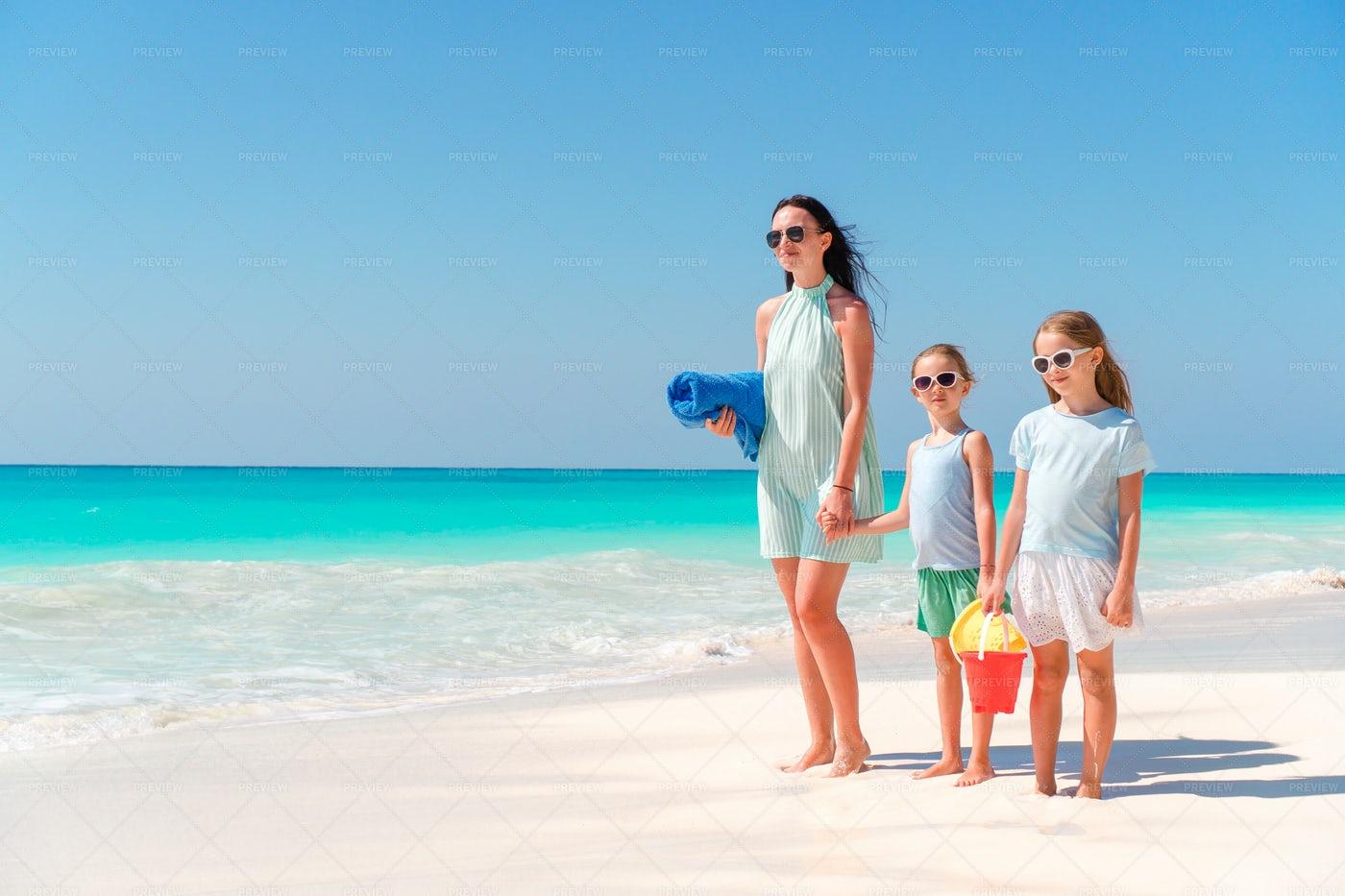 Summer Vacations: Stock Photos