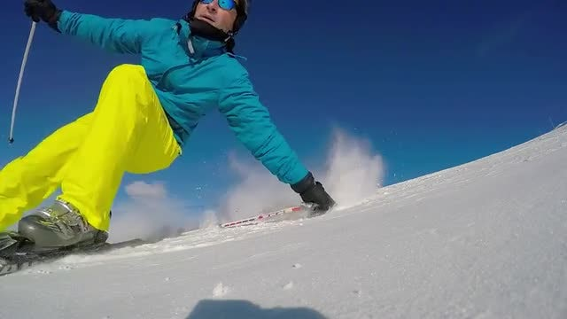 Skidding Skier: Stock Video