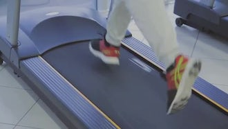 Training On The Treadmill: Stock Video