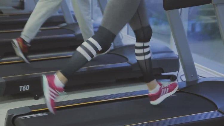 Training On The Treadmill: Stock Video