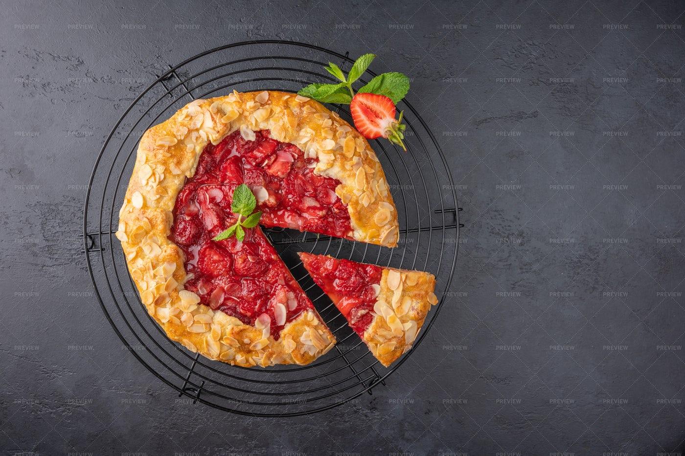 Flan Pie With Strawberri: Stock Photos