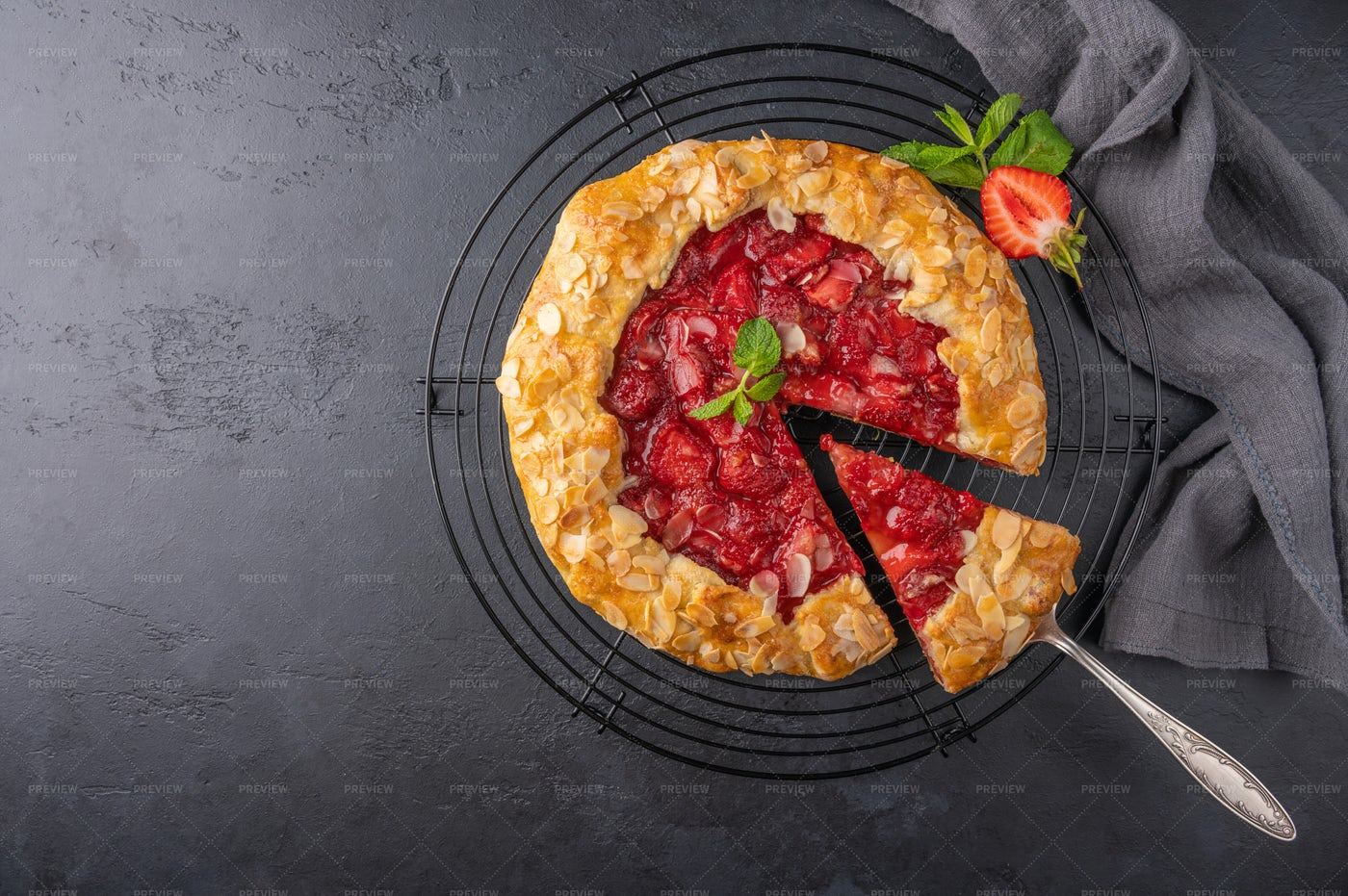 Flan Pie With Strawberries: Stock Photos