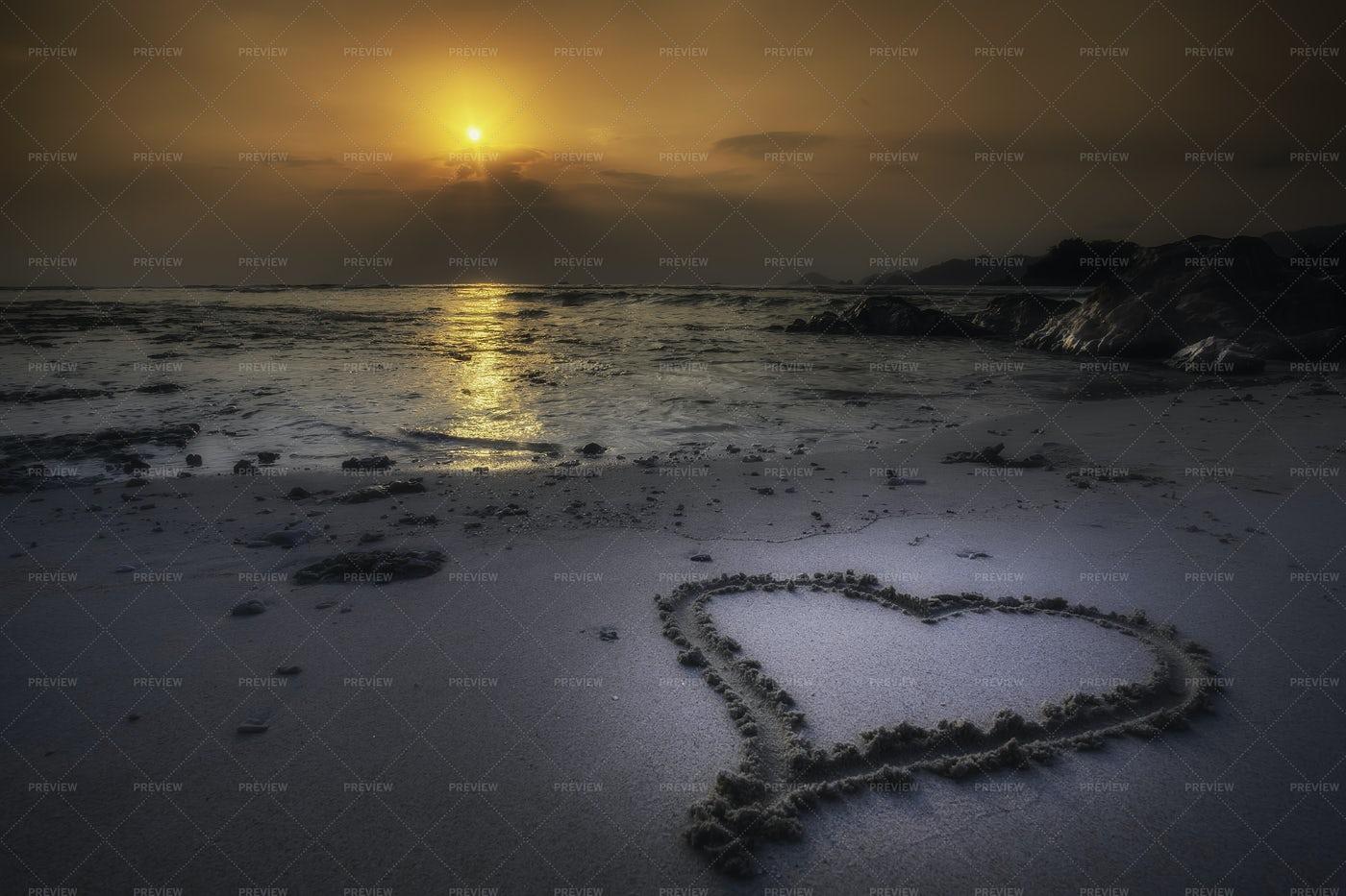 Island At Sunset: Stock Photos