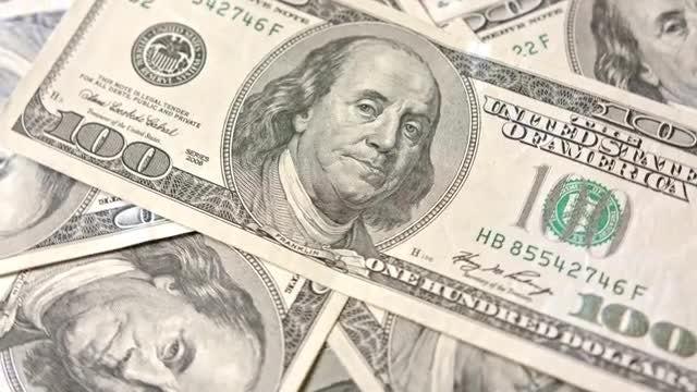 Rotating View 100 Dollar Banknotes: Stock Video