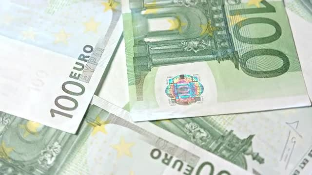 Rotating View 100 Euro Banknotes: Stock Video