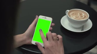 Single Click Green Screen Phone: Stock Video