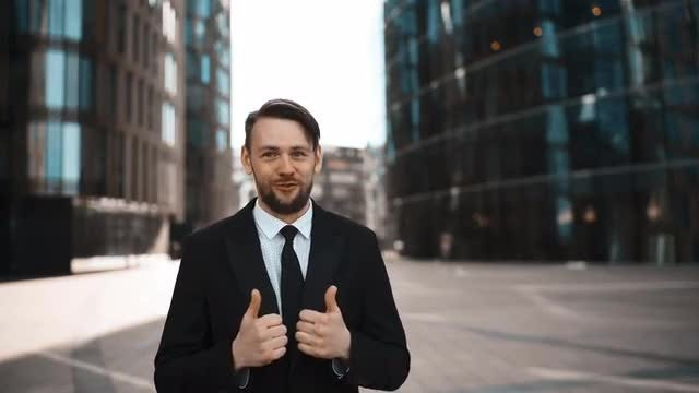 Businessman Approve Of Your Work: Stock Video